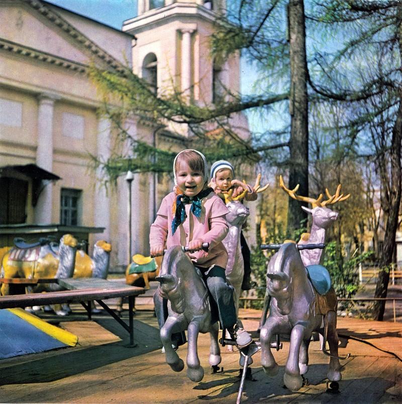 Калуга, парк культуры и отдыха, детская карусель