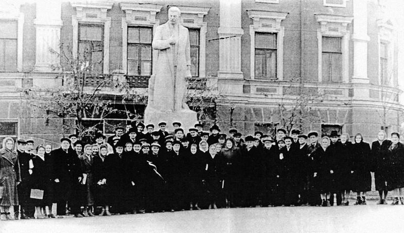 калуга, памятник сталину, иосиф сталин