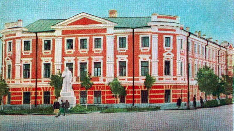 цветная калуга, история калуги, памятник сталина