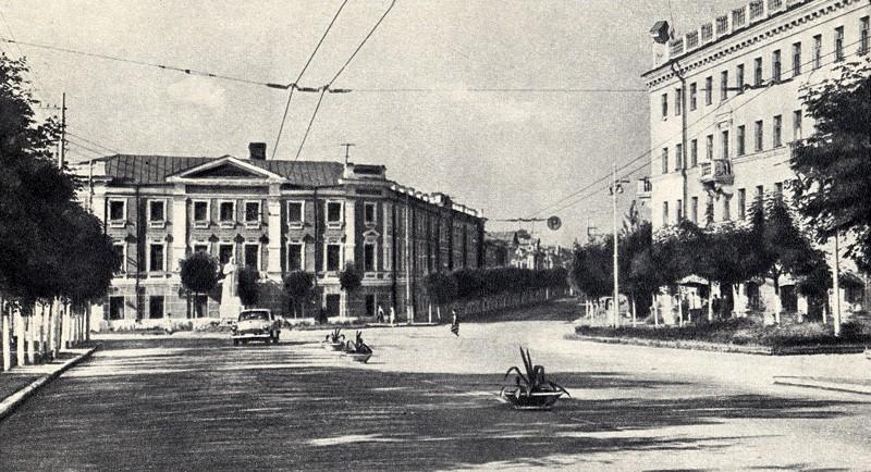 калуга, улица ленина, памятник сталину