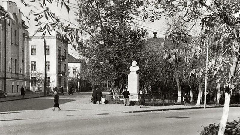 калуга, памятник марксу